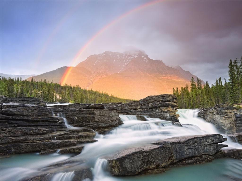 Bạn có thể thấy cầu vồng tại các thác nước lớn
